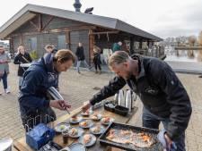 Horeca-ondernemers in Zwartsluis proberen in beeld te blijven met Stadswandeling: 'Moesten veel mensen teleurstellen'