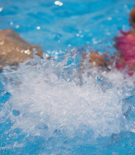 Heibel in het zwembad: Geschillencommissie moet beslissen in conflict ouders en Hengelose zwemschool