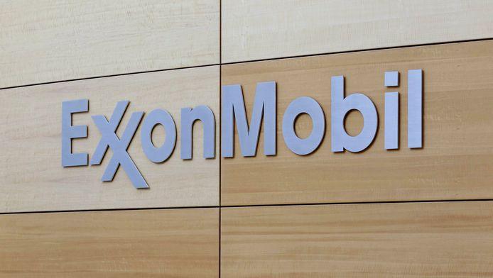 ExxonMobil heeft sinds 2005 geen kosten voor al haar CO2-emissies in ons land en er zelfs meer dan 4 miljoen euro mee heeft verdiend, zegt Bond Beter Leefmilieu.