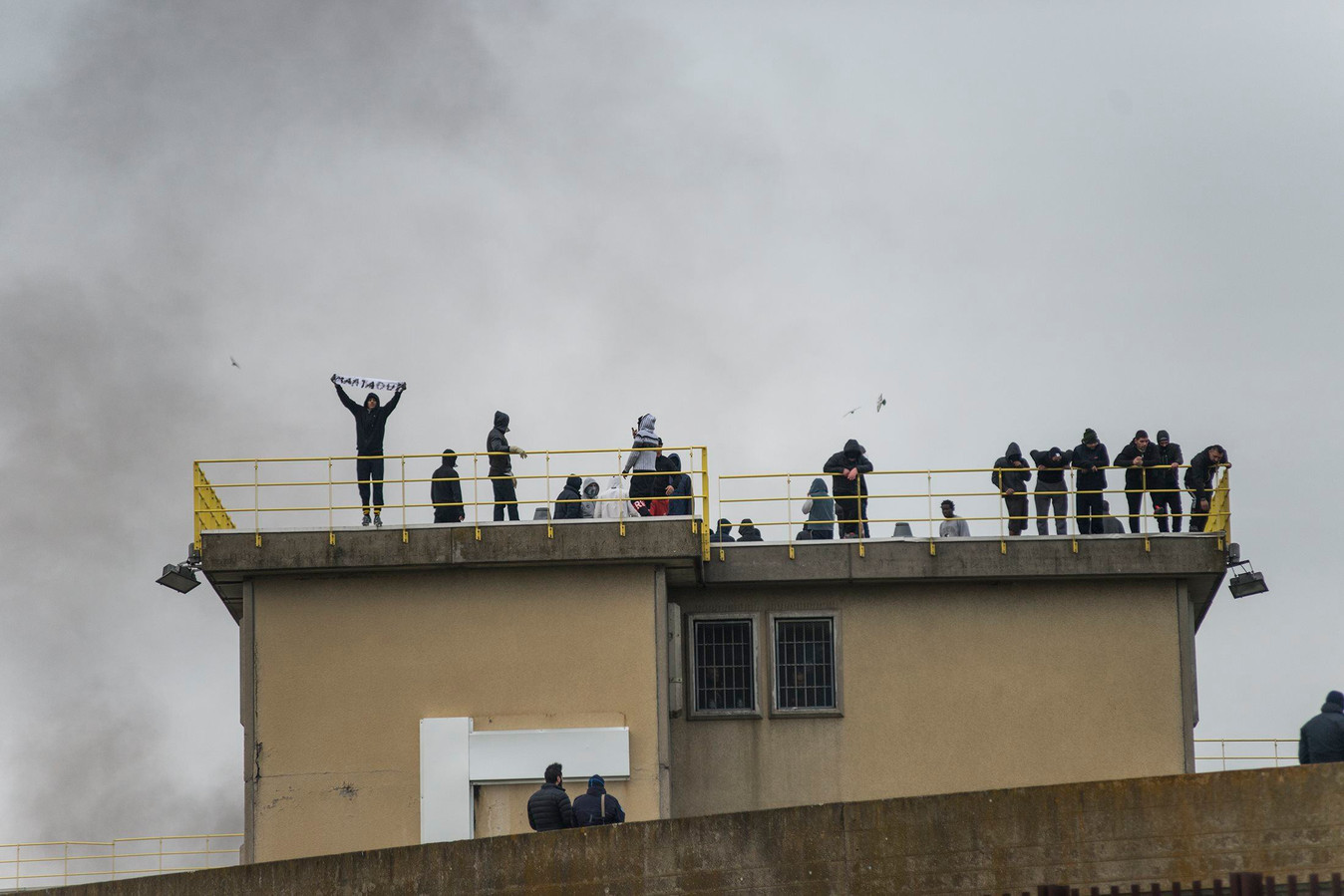 Des émeutes ont également éclaté à la prison de Bologne, en Émilie-Romagne.