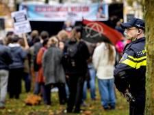 Demonstrant Utrecht Bekent Kleur roept op tot blokkade