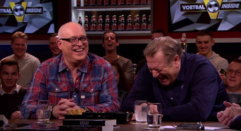 René van der Gijp en Johan Boskamp lachen zich een breuk.