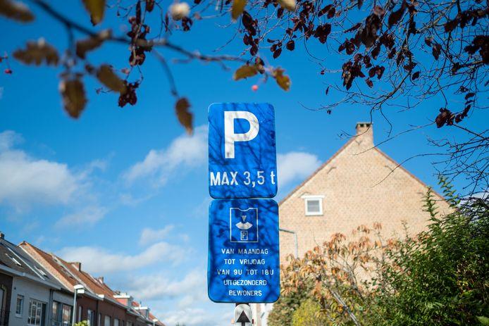 In 2017 werden enkele boetes uitgedeeld aan chauffeurs die hun parkeerschijf niet hadden gelegd. Zij kregen pas recent een eerste betalingsherinnering.