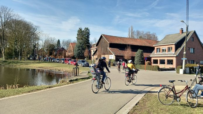 Het kruispunt van de Beekdam en Lange Gaanweg in Bazel. Daar komt dankzij een wisselmeerderheid binnenkort een fietsstraat.