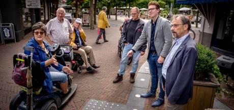 Tegel moet Wijchenaar bewust maken: Houd de lijn vrij voor blinden en slechtzienden!