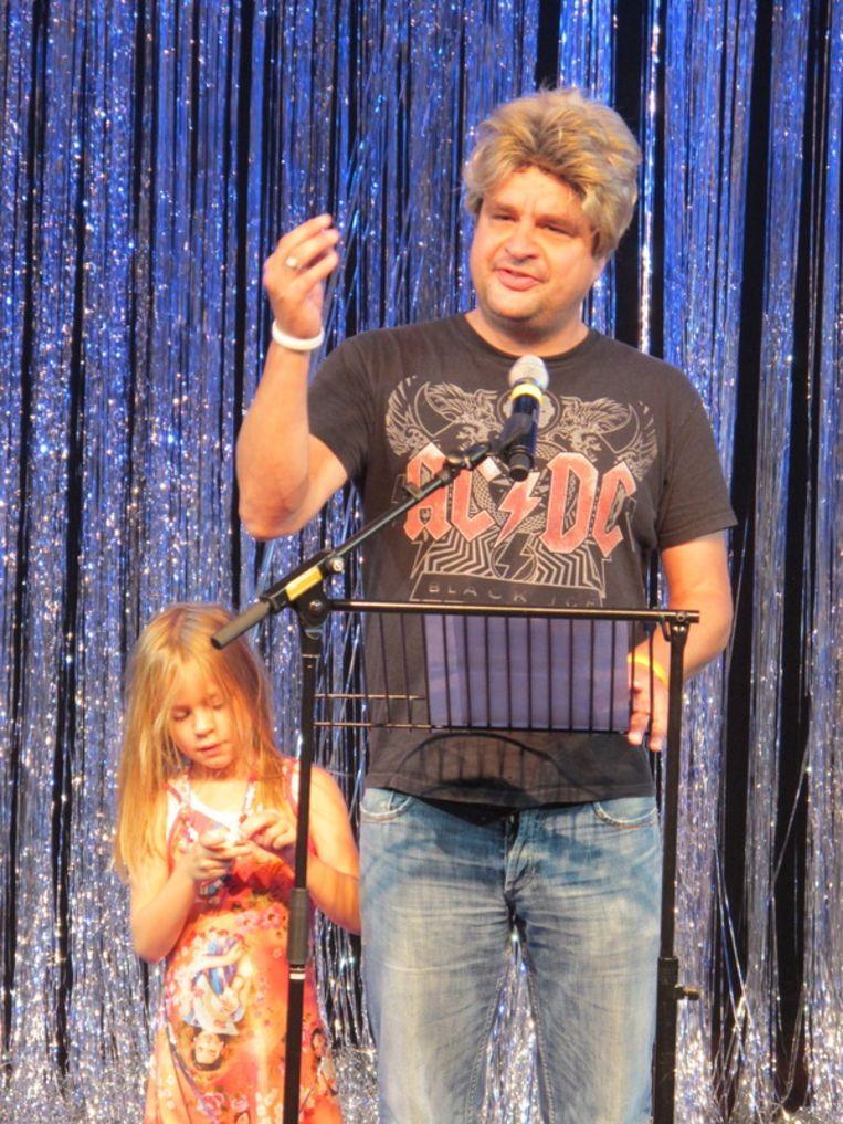 Wilders de onwillige met zijn dochtertje - Frank Lammers (haakte af halverwege de auditie).  <br /> Beeld