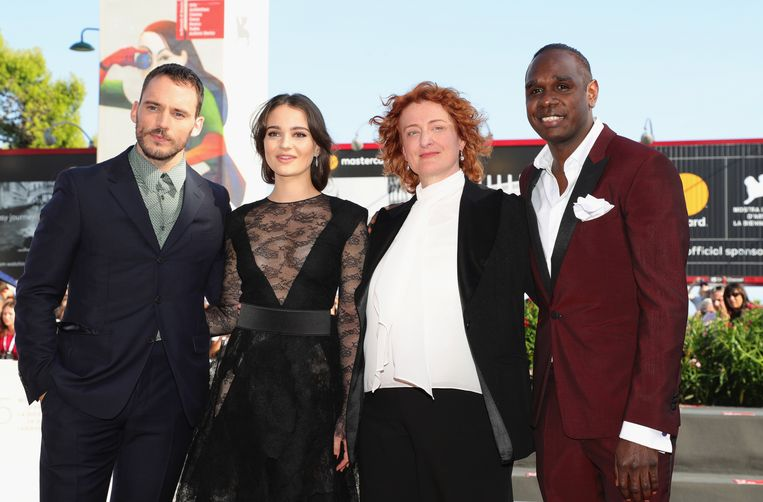 Regisseur Jennifer Kent (tweede van rechts) tussen de hoofdrolspelers uit haar film The Nightingale, vanaf links: Sam Claflin, Aisling Franciosi en Baykali Ganambarr Beeld Getty Images