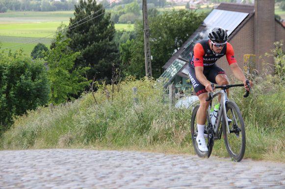 Wielrenner Foeke Lammertyn rijdt 100 keer de Paterberg op.