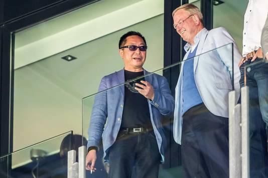 ADO-directeur Maarten Fontein met de Chinese tussenpersoon Chun Li.