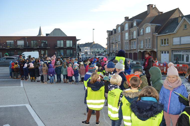 De voorleesslinger op het Pastorijplein in Denderhoutem.