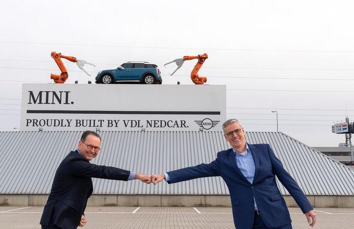 De gaande en komende man bij VDL Nedcar: Paul van Vuuren (links) en John van Soerland.