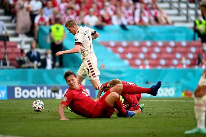 De Bruyne met de assist voor de 1-1 van Thorgan Hazard.