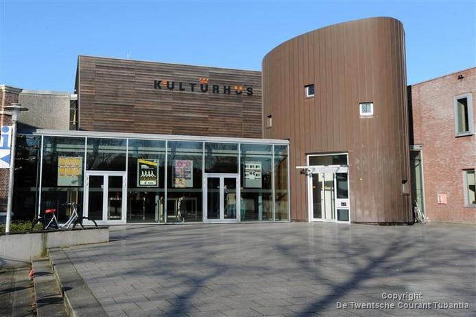 Het Kulturhus is weer open na een dag lang stroomstoring.