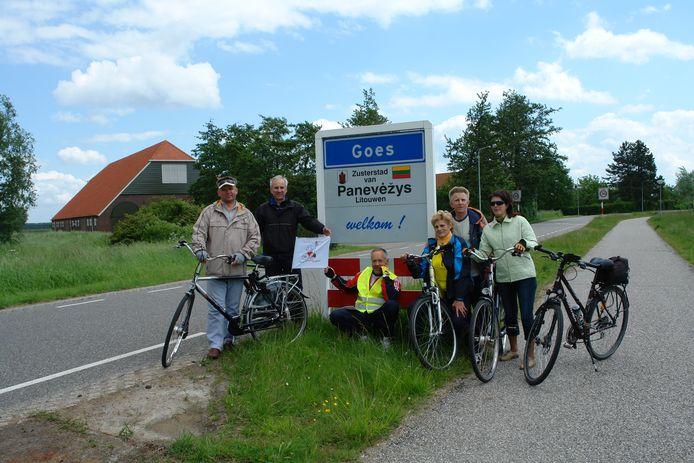 Een fietsgroep uit Panevėžys kwam jaren geleden fietsen in Goes.