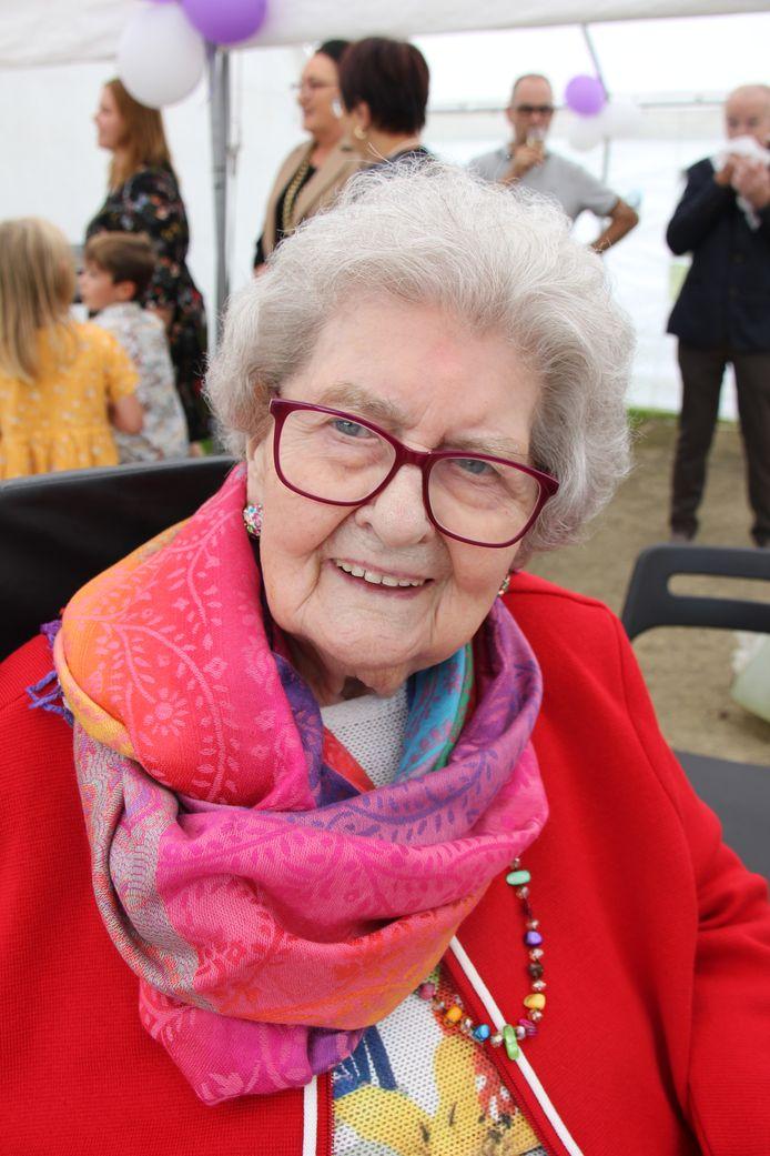 Maria Eeckelaert vierde haar 100ste verjaardag in wzc Bremdael
