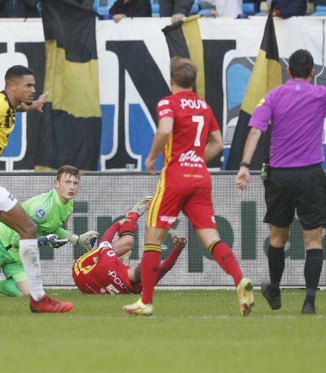 Slimmigheidje Bas Kuipers levert GA Eagles penalty op tegen Vitesse: 'Dit hoort bij voetbal'