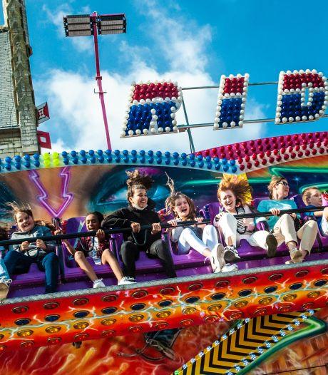 Eíndelijk! De kermis op de Markt in Gouda is terug: 'Mensen hebben zin in plezier en vermaak'