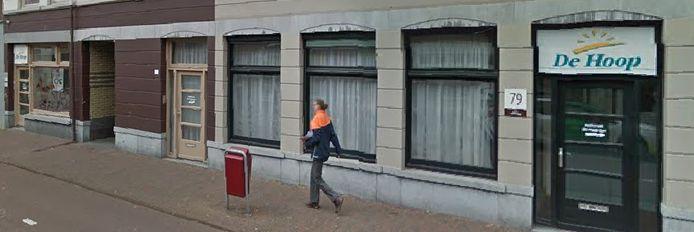Stichting De Hoop begon in de jaren 70 op de Spuiweg.