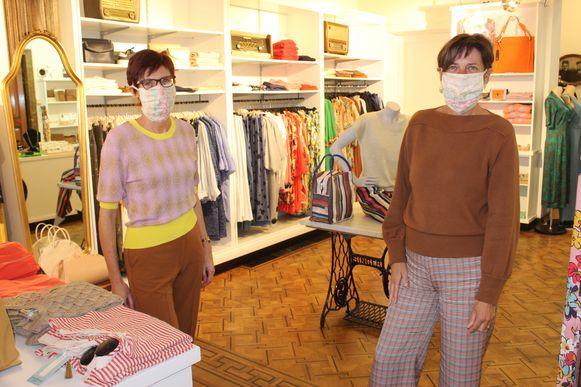 Anja en Véronique van Mooi! in Eeklo zijn blij dat ze na bijna twee maanden weer mogen openen.