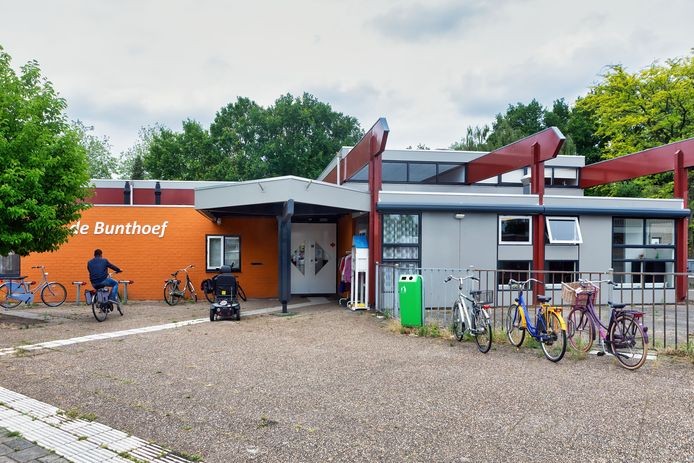 Buurthuis De Bunthoef in de Oosterhoutse wijk Oosterheide.