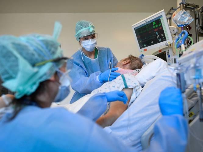 OVERZICHT. Aantal overlijdens en ziekenhuisopnames dalen, aantal besmettingen stagneert