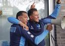 Henk Fraser en Nourdin Boukhari vieren het bereiken van de Europese play-offs.