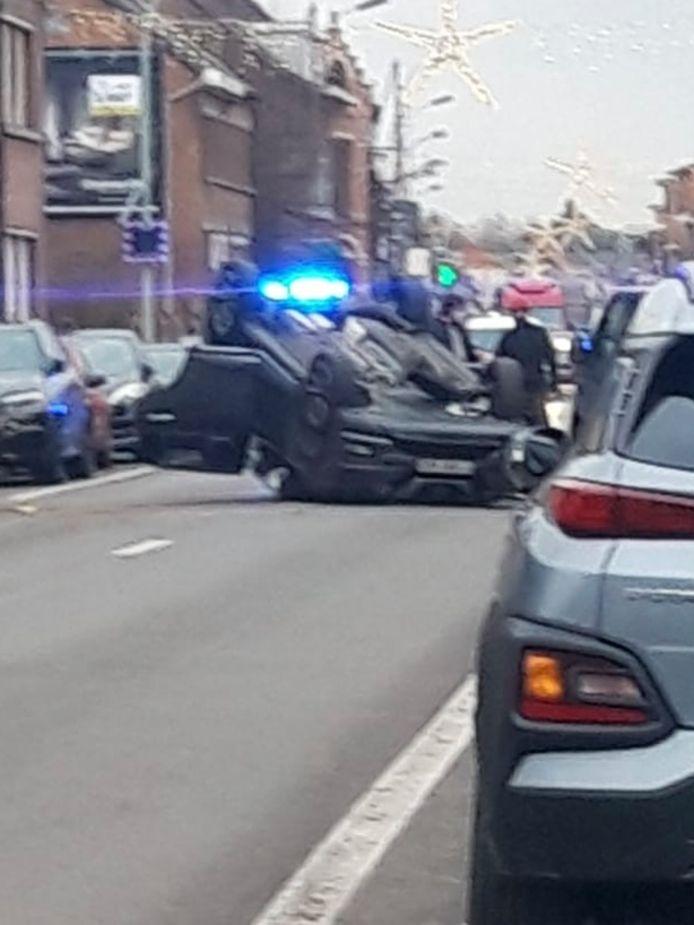 Het voertuig ging over de kop.