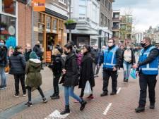 Gecontroleerde topdrukte in Apeldoornse binnenstad: 'Dankbaar voor de vrijheid'