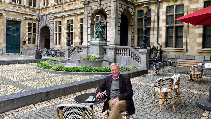 Levensgenieter Michel Van der Auwera op het Conscienceplein.