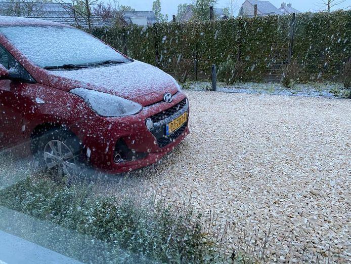 Sneeuw in Vlijmen.