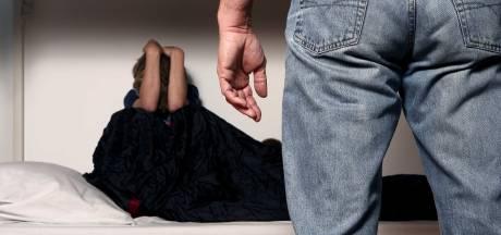 Man uit Loon op Zand zou dochter meermaals misbruikt hebben: 'Je hebt me mijn kindertijd afgepakt'