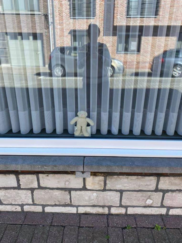Een teddybeer in de Molenstraat in Ranst.