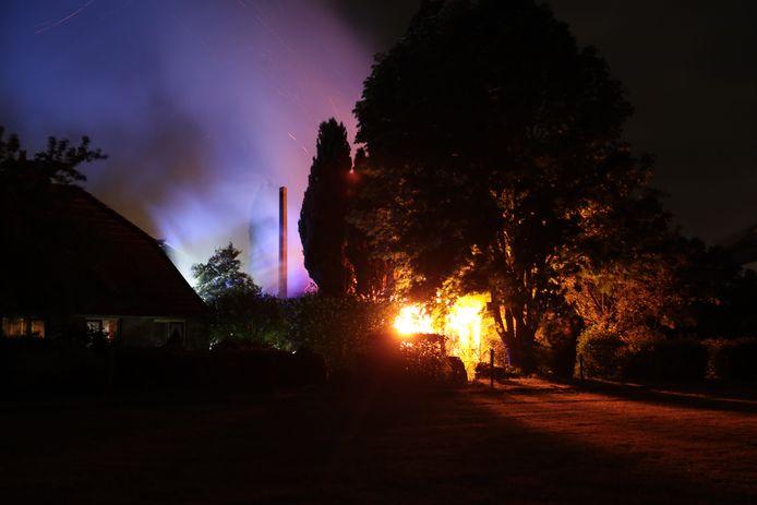 Schuurbrand aan de Arendshorsterweg in Ommen.
