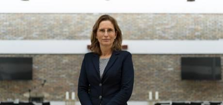 Astrid Strijbos over een jaar lang uitvaarten verzorgen in brandhaard Heerde: 'Soms stond ik twee keer per dag op het kerkhof'