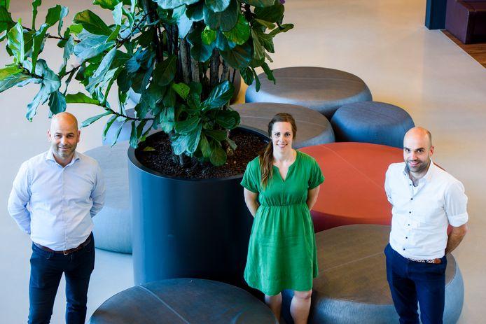 Onderzoekers Wendy Hendrickx (midden) en Roderick Wondergem (rechts). Links begeleider en lector Martijn Pisters.