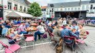 Coverbands nemen Sint-Maartensplein in tijdens Zomerkermis