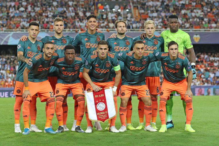Ajax voor het duel met Valencia. Beeld BSR Agency