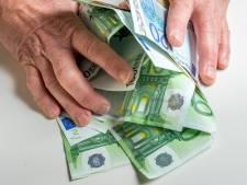 'Kwade genius' Debbie (34) liet 185.000 euro van bejaarde Hagenaar verdwijnen: 'Zij doet alleen maar poetswerk'