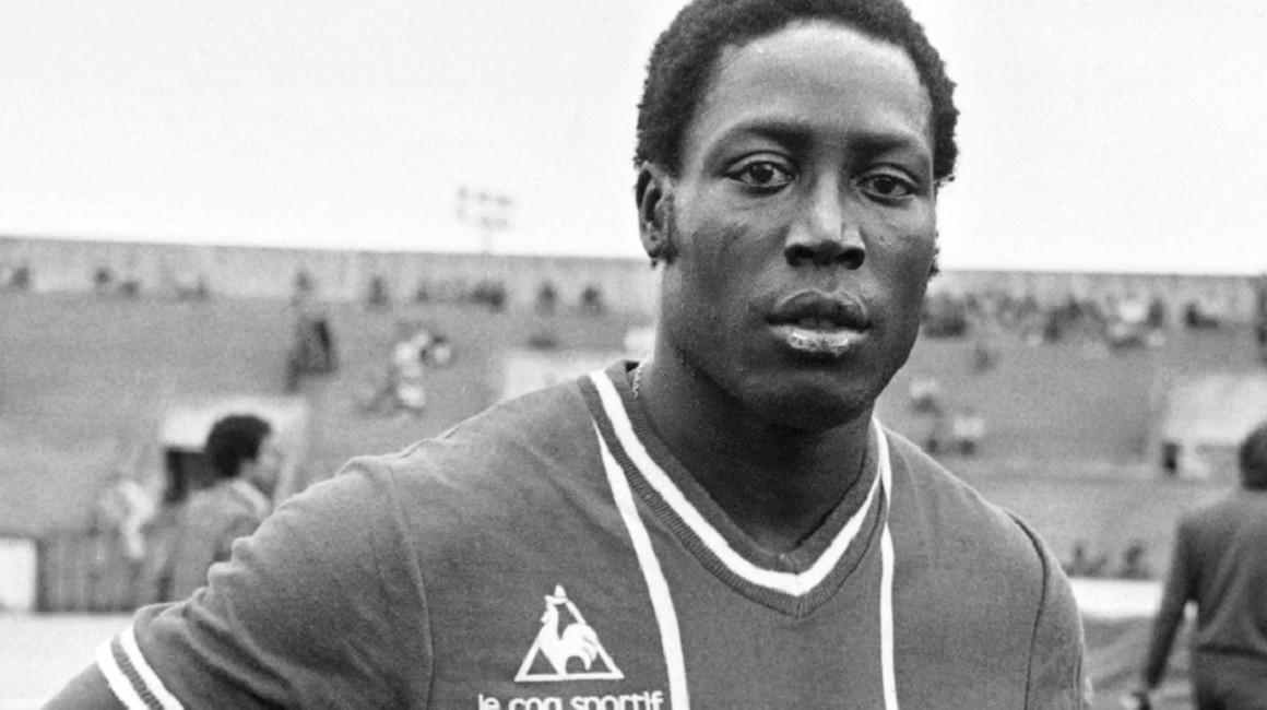 Le 17 mars 1982, Jean-Pierre Adams, international franco-sénégalais tombait dans un profond coma à la suite d'une erreur d'anesthésie.