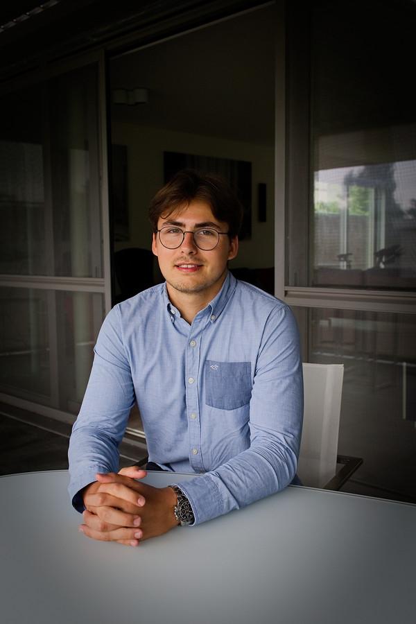 Jason De Bosschere-Demeijer (21) voelt zich steeds zekerder over zijn beleggingen.