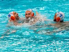 Waterpoloërs plaatsen zich na knappe comeback voor kwartfinales OKT