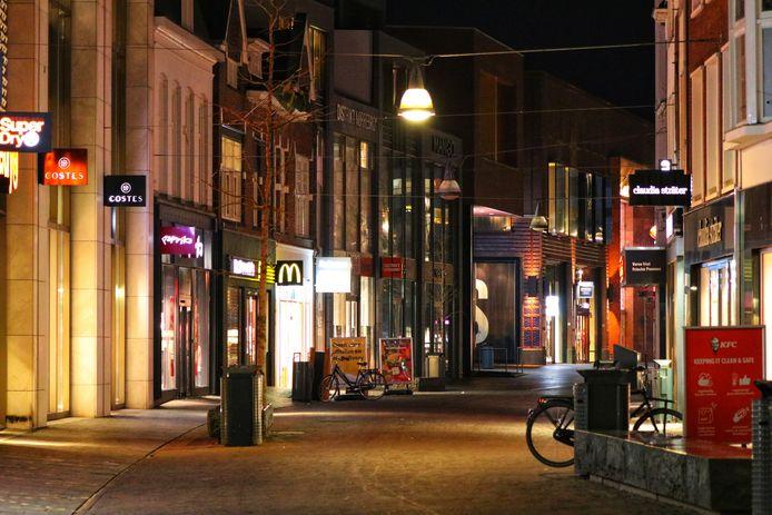 Een leeg stadscentrum in Enschede.