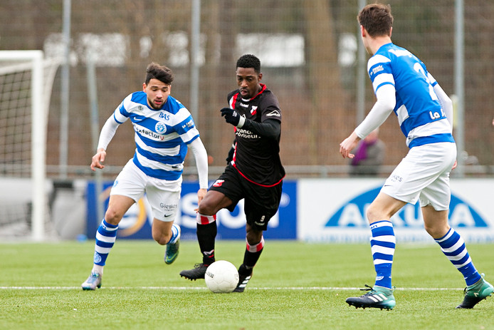 Kabir Sabotic (links) keert terug bij FC Winterswijk.