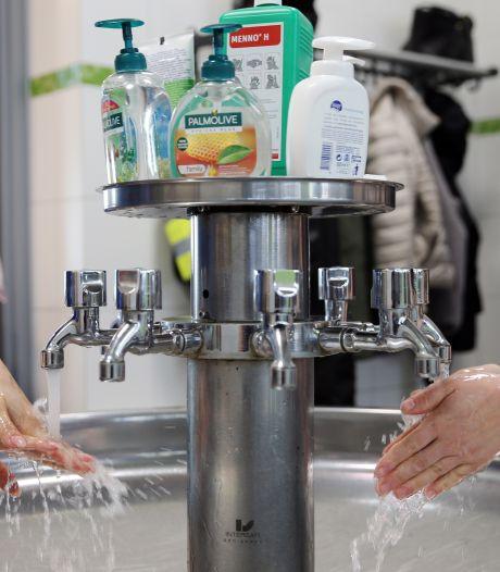 Handen wassen helpt: coronavirus overleeft 9 uur op de huid