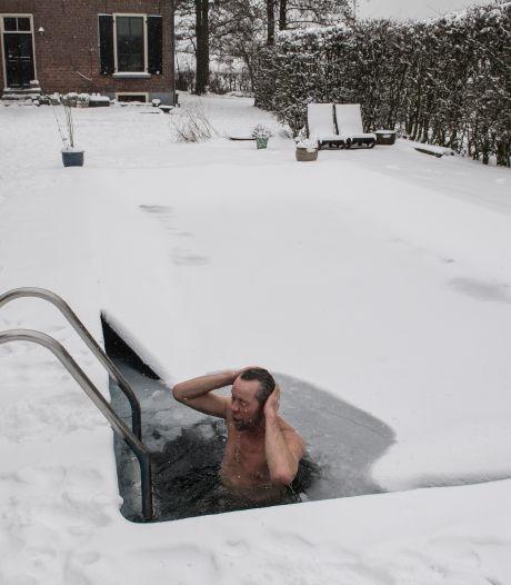 In zijn strijd tegen kanker neemt Steven buiten elke dag een bad, ook met min 10 in een wak