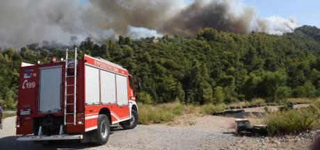 Des blessés et une dizaine de maisons brulées à cause d'incendies en Grèce dans le Péloponnèse