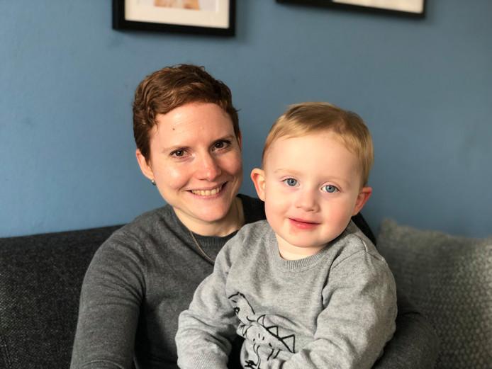 Karien Hulshof en haar zoontje Alexander