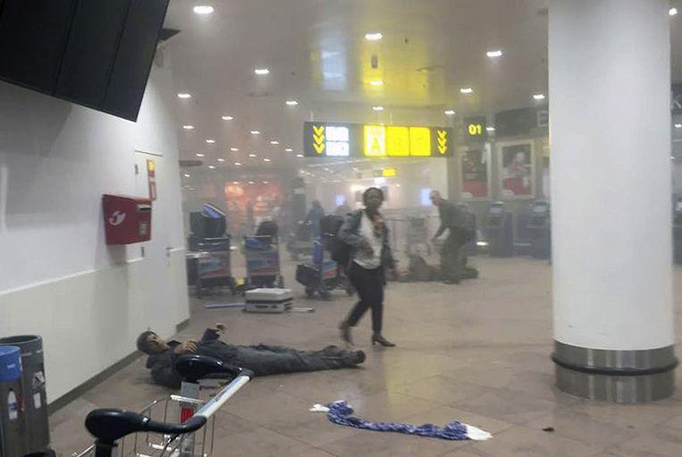 De Brusselse luchthaven na de explosies. Beeld ap
