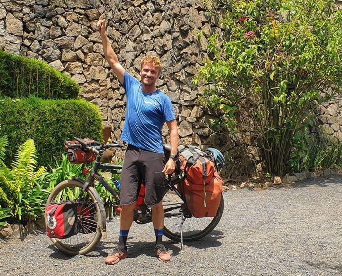 Jelle Veyt heeft ondertussen met de fiets Tanzania bereikt.