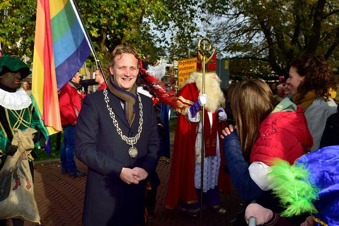 Intocht Sint Nicolaas en burgemeester Pieter Verhoeve.
